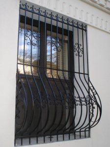 DECORATIVE DOUBLE WINDOW WITH AC BOX