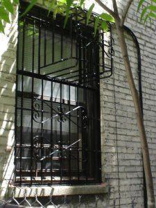 SINGLE WINDOW GATE WITH AC TOP BOX