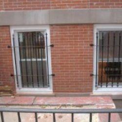 Single Window Spear Gates